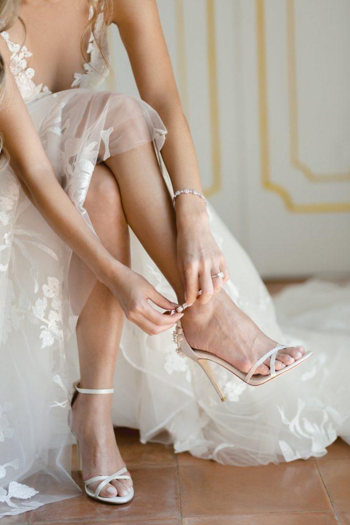 2021-06-Love-Nozze-Matrimonio-Positano-Sposa-Dettagli-Scarpe-Sposa
