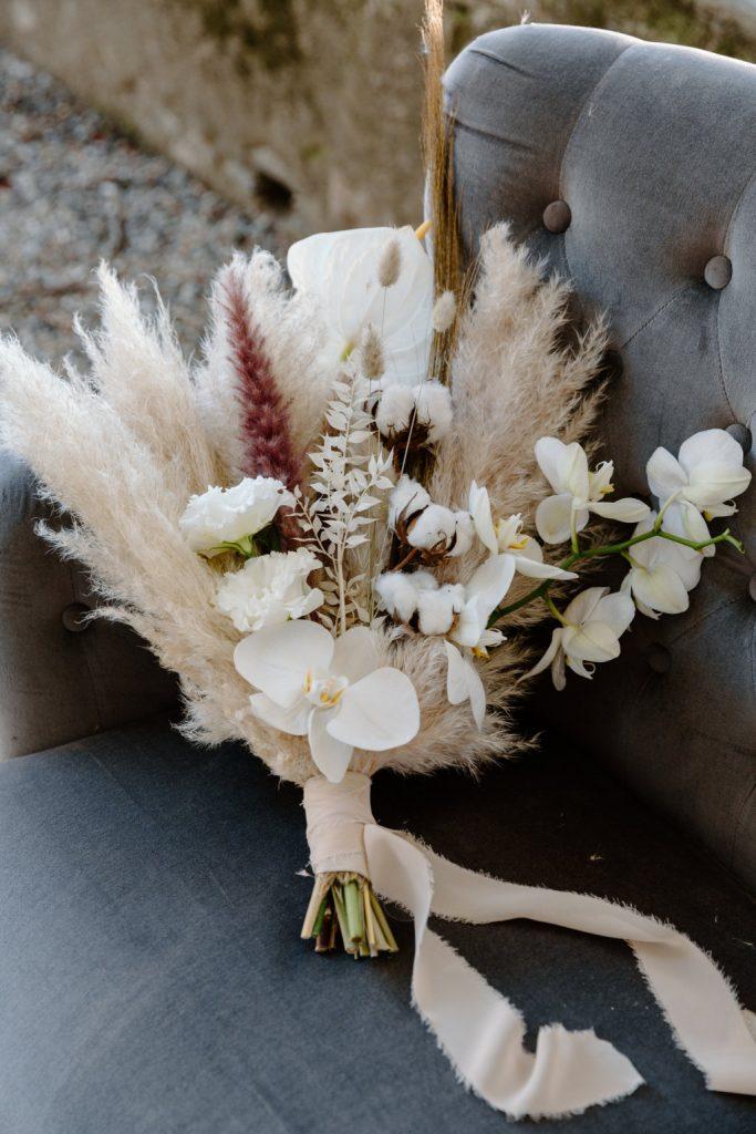 2021-06-Love-Nozze-Matrimonio-Lago-Maggiore-Sposa-con-Bouquet